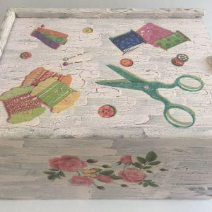 Μεγάλο χειροποιητο ξύλινο κουτί για ραφτικά