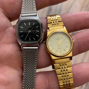 Δύο γυναικεία ρολόγια