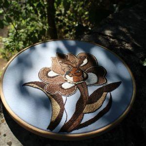 Ελάφι σε λουλούδι 20cm