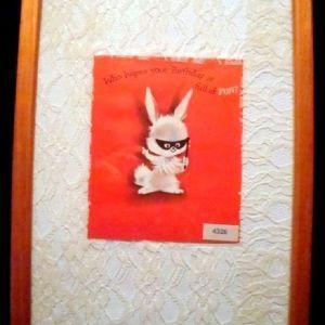 Παλαιά κάρτα γενεθλίων NORCROSS - USA σε κορνίζα τοίχου.