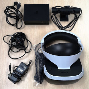 ps4 VR headset + motion controllers