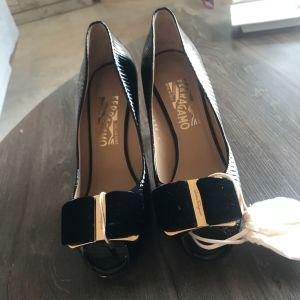 Παπούτσια feragamo