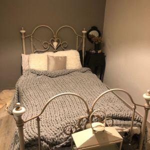 Σιδερένιο κρεβάτι πωλείται μαζί με το στρώμα