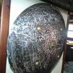 συλλεκτική ατσάλινα  άτυπη βαριά  ασπίδα εποχής 1960 55χ55