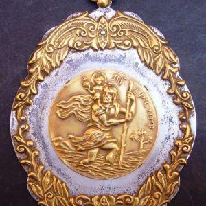 Παλιά μεταλλική εικόνα με τον Άγ. Χριστόφορο