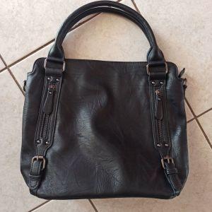 Τσάντα δερματίνη μαύρη
