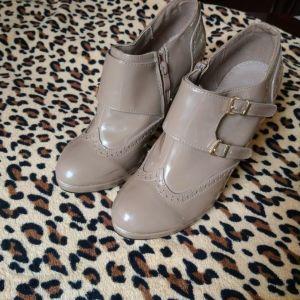 παπούτσια μποτάκια  μπεζ νούμερο 40 μεταχειρισμένα