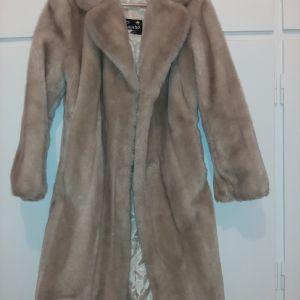 faux γούνινο παλτό