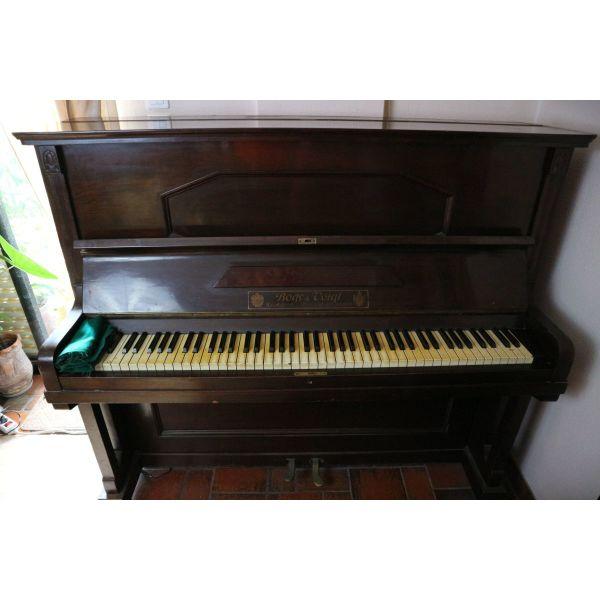 klasiko piano Bogs & Voigt