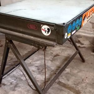 Μονταζιέρα 70 Χ 100 φωτιζόμενη ανακλινόμενη σε βάση σχεδιαστηρίου