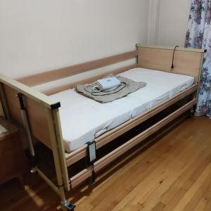 κρεβάτι νοσοκομείου ηλεκτρικό