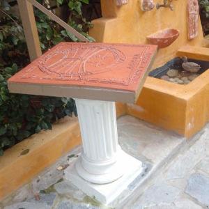 κατασκευη κηπου..(διαμορφωση χωρου, φυτευση, αυτοματο ποτισμα, διακοσμητικα στοιχεια οπως πηγες με ανακυκλουμενο νερο, ηλιακα ρολογια, καθιστικο κηπου, ξυλινες κατασκευες...)