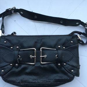 μαύρη γυναικεία τσάντα ώμου