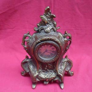 Παλιό μεγάλο  μπρούτζινο κουρδιστό ρολόι (χρήζει επισκευής).