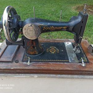 Ραπτομηχανή γαζωτική αντίκα, γνήσια GRITZNER με σχέδια