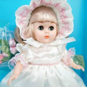 GINNY VOGUE-Αμερικάνικη συλλεκτική κούκλα (vintage) του κουτιού