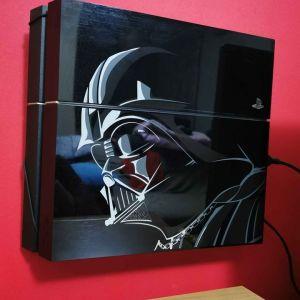 PlayStation 4 1Tb Star Wars limited edition + γνήσια βάση τοίχου floating grip