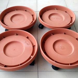 Πωλείται Τροχήλατο Πιάτο Γλάστρας Διαμέτρου 30cm