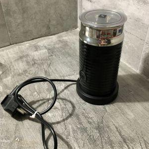 Συσκευή Παρασκευής Αφρού Γάλακτος - Nespresso Aeroccino3 Black.