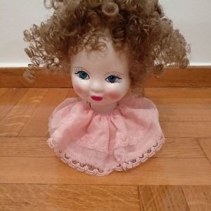 πορσελανινη κούκλα