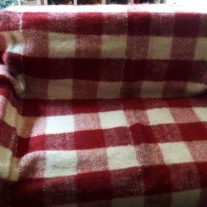 Παραδοσιακή, μάλλινη κουβέρτα