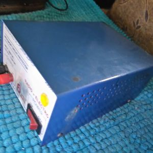 Ρυθμιζόμενη ισχύ dc stppky 55600 .. με σύντομη προστασία ... 6 amp....με προστασία βραχυκυκλώματος