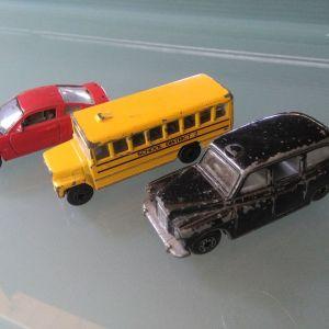 3 παλια αυτοκινητακια μεταλλικα - με φθορες