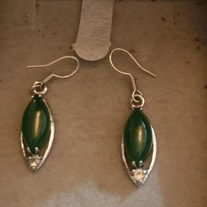 Ασημένια σκουλαρίκια με ημιπολύτιμες πέτρες τζέιντ