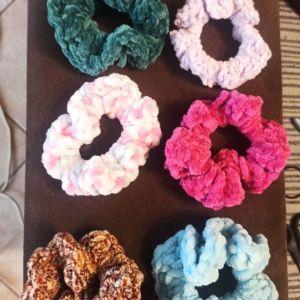 Πολύχρωμα scrunchies