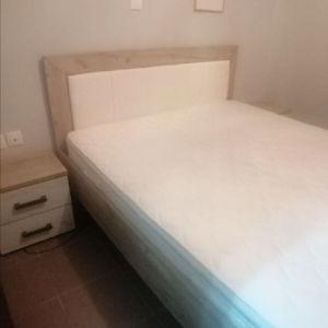 κρεβάτι υπερδιπλο με κομοδίνα κ στρώμα candia
