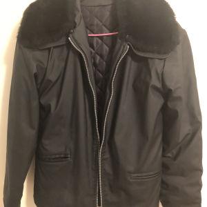 Μπουφάν γυναικείο αδιάβροχο με συνθετικό γούνινο γιακά αφαιρούμενο