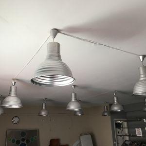 12 καμπάνες φωτισμού για επαγγελματικο χώρο