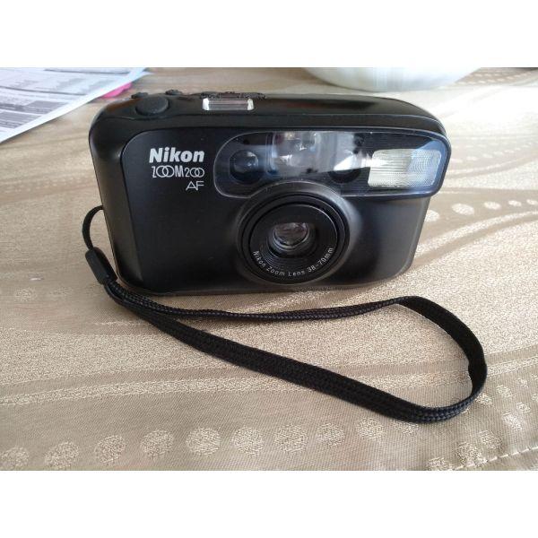 Nikon zoom 200 AF photo camera