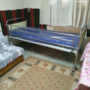Πωλείται κρεβάτι νοσοκομειακό καινούριο με καινούριο στρώμα