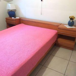 Κρεβατοκάμαρα με αποθηκευτικό χώρο, το στρώμα δεν περιλαμβάνεται.