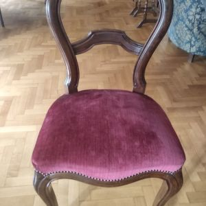 δυο παλιες καρεκλες