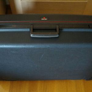 Βαλίτσα ταξιδίου DELSEY σκληρή,  τροχήλατη, διαστάσεων 76χ54,5χ20 εκατοστά ( μήκοςχπλάτοςχβάθος).
