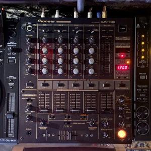Pioneer cdj900 2 τεμάχια και pioneer djm600