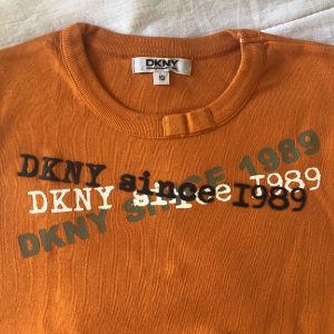 DKNY παιδική μπλούζα για 10 ετών unisex