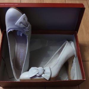 Γυναικεία δερμάτινα παπούτσια  Marco Tozzi