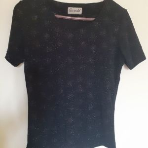 Μαύρη γυναικεία μπλούζα