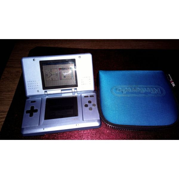 Nintendo DS mple me thiki.