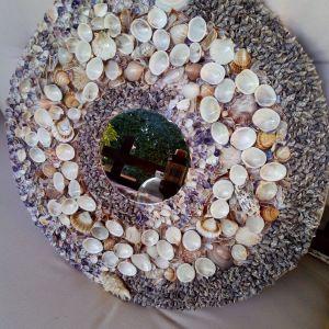 Καθρεφτης τοιχου με κοχυλια