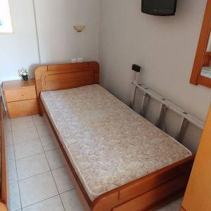 κρεβάτι μονό ξύλινο με στρώμα