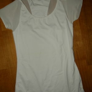 oysho αθλητικο μπλουζακι small