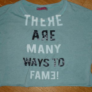 crop αθλητικο μπλουζακι small