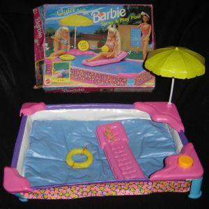 Barbie 1990 pool