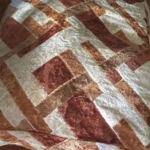 Θήκη μαξιλαρας με γήινα χρώματα.Βελουτε.