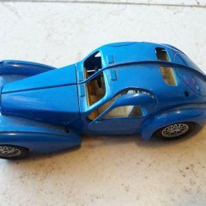 Σπάνια Bugatti Atlantic 1936 Blue από BURAGO  Κλίμακα: 1.24