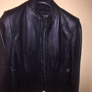 Δερμάτινο jacket κοντο